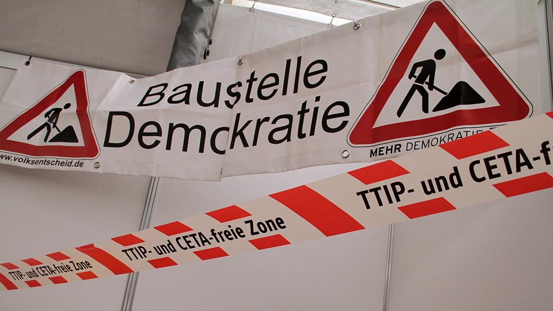 """Mit seiner Drohung eines """"Nein"""" zu TTIP hat Lammert womöglich nur Frust abgelassen, sagt Petra Erler."""