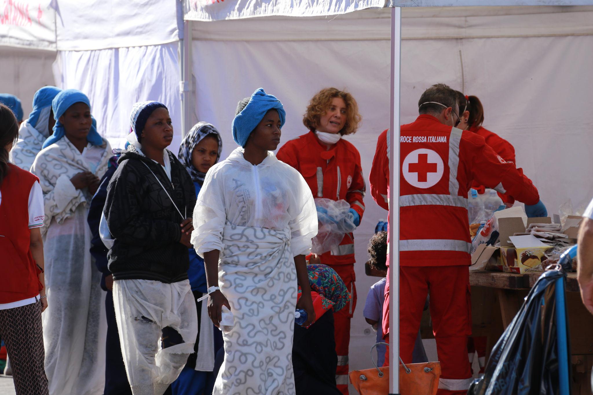 Afrikanische Flüchtlinge in Catania: Der Migrationsgipfel in Valletta hat einen Aktionsplan zum Kampf gegen Fluchtursachen beschlossen.