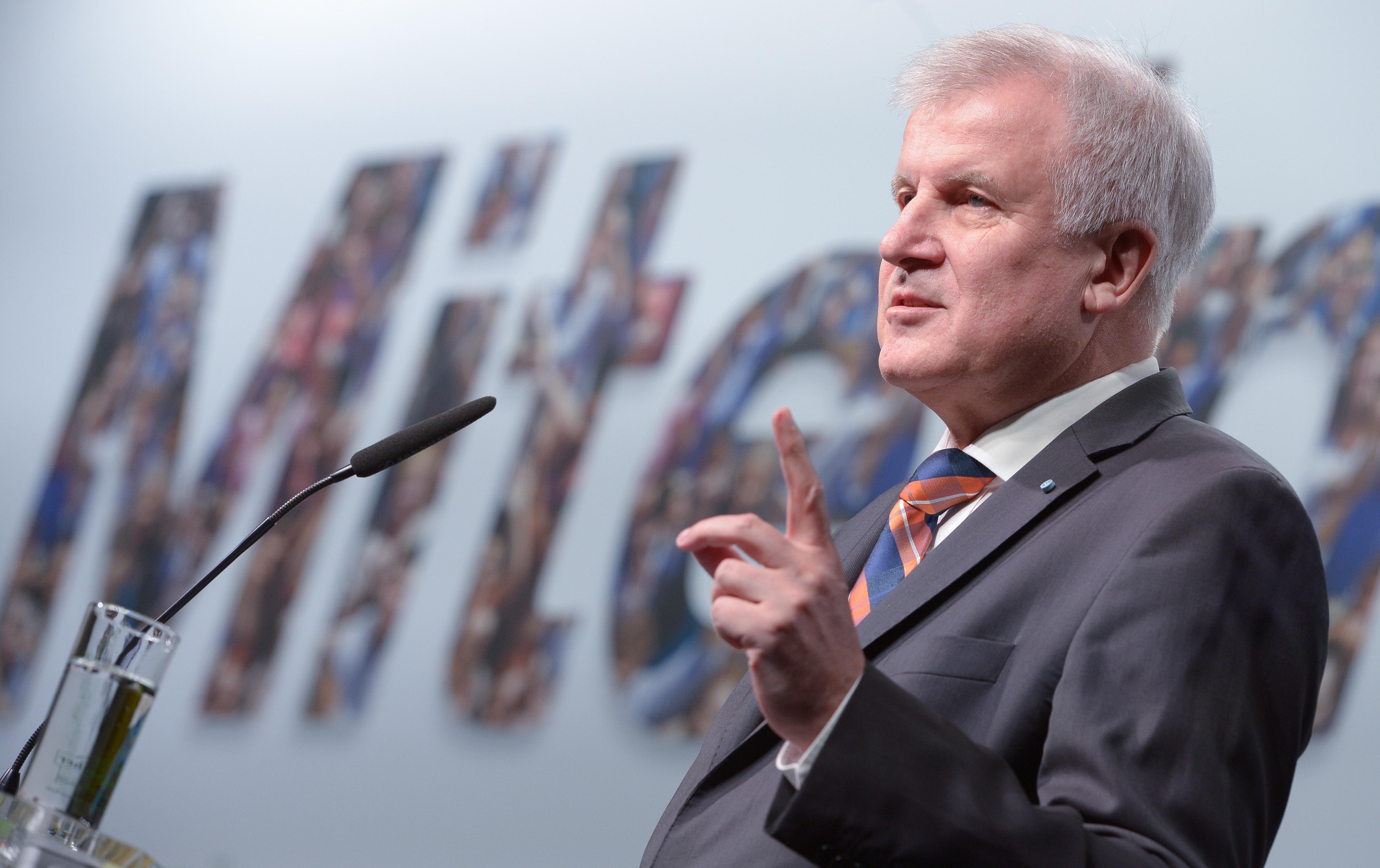 Horst Seehofer, CSU-parteitag, Flüchtlingsobergrenze, AfD
