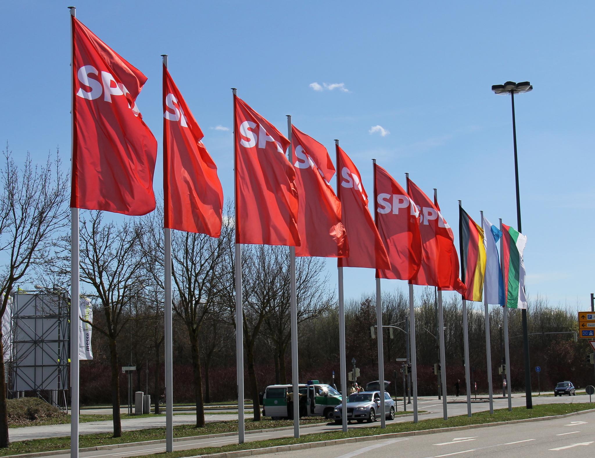 Die SPD-Fraktion will Euro-Zone mehr Kompetenzen geben.