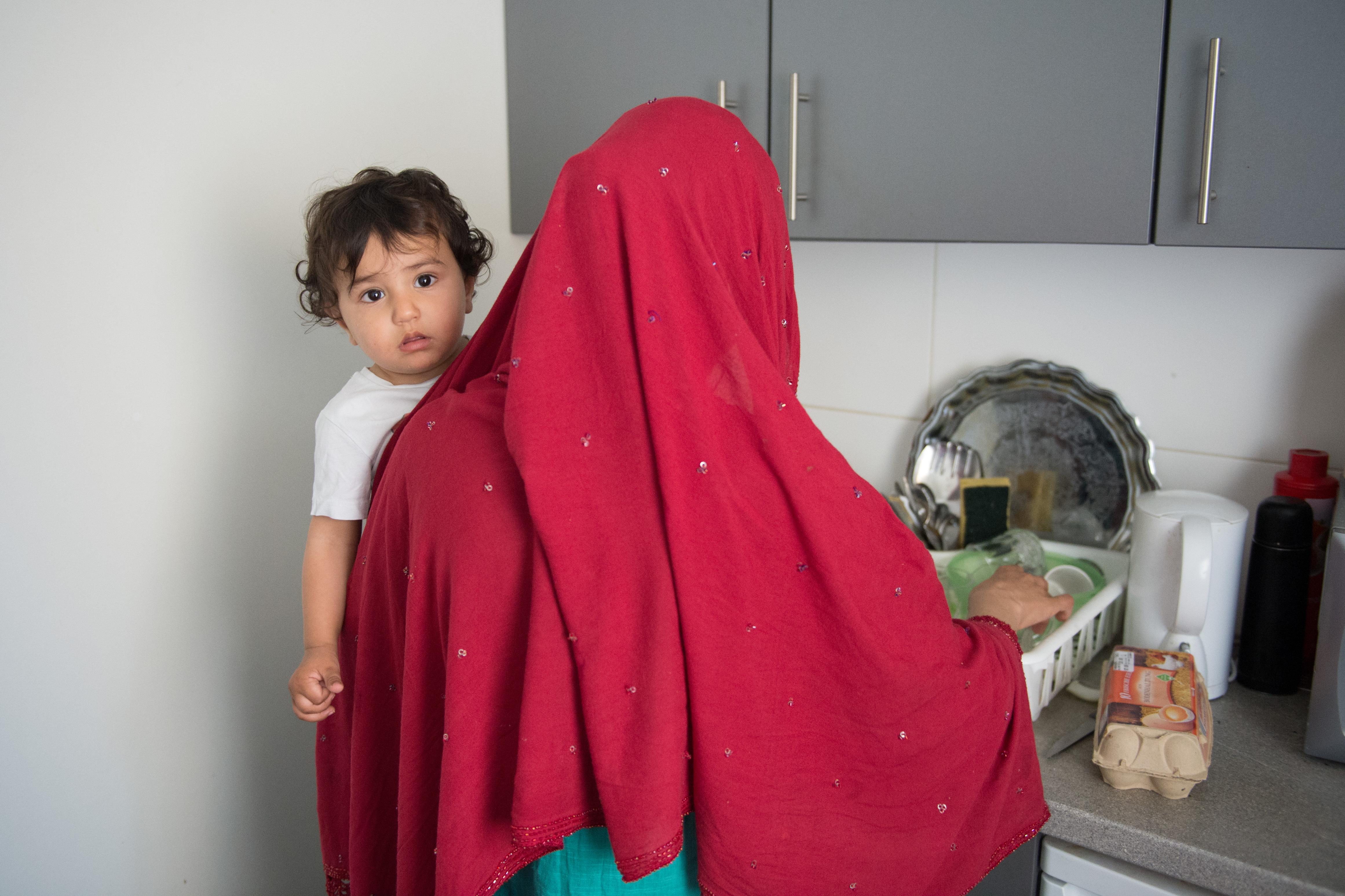 Experten fordern eine massive Ausweitung des öffentlichen Wohnungsbaus für die Unterbringung von Flüchtlingen.