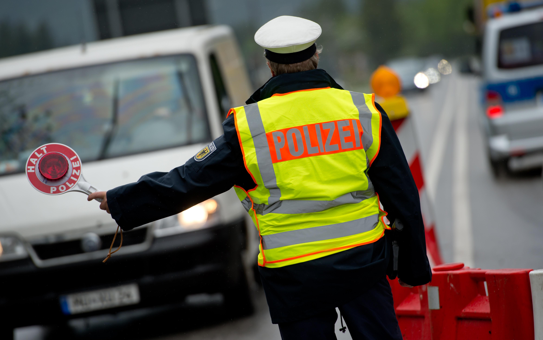 Deutsche Wirtschaftsvertreter warnen vor hohen Kosten durch Grenzkontrollen.
