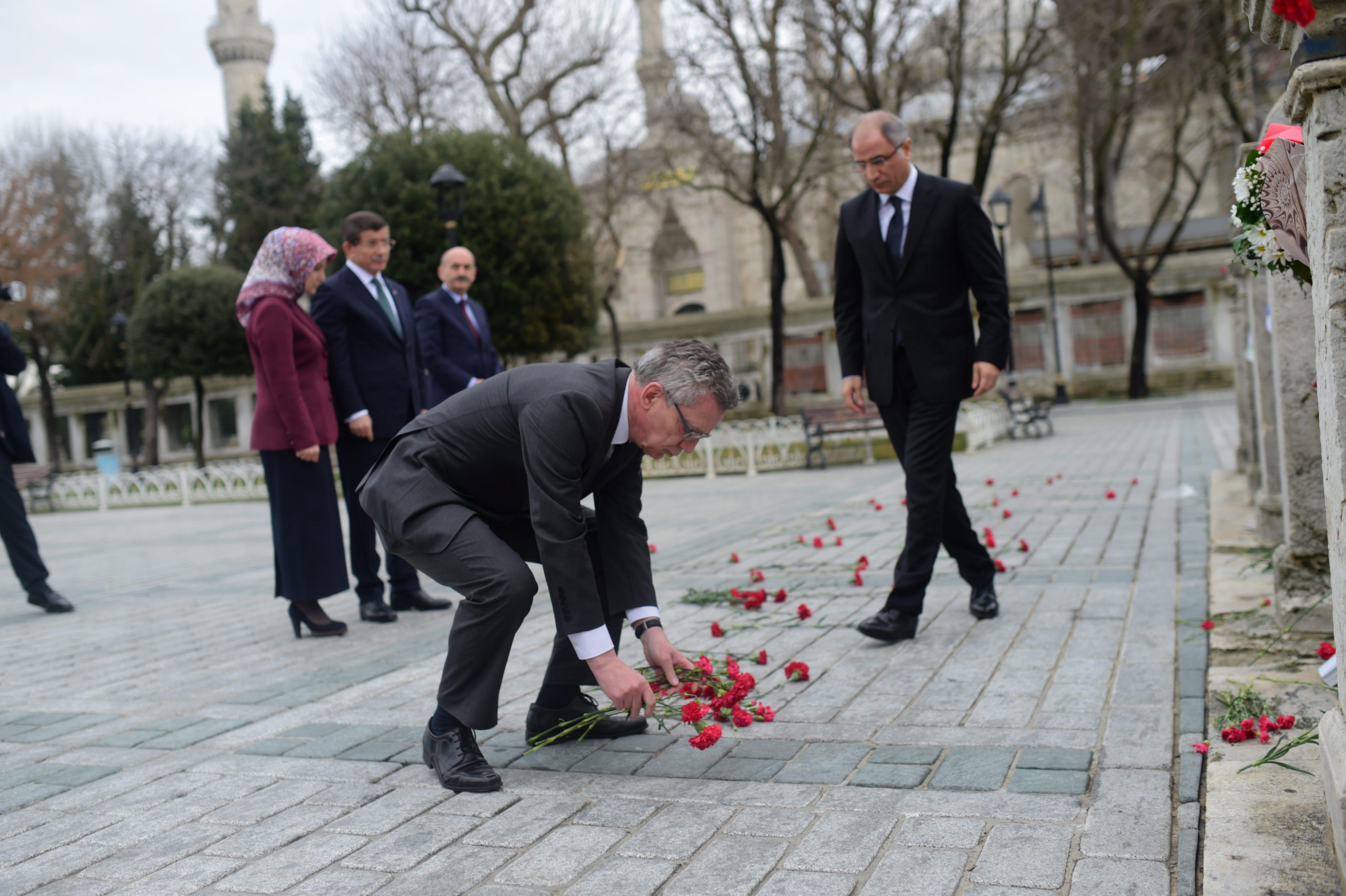 Für Bundesinnenminister de Maizière ist nicht klar, wer der Attentäter von Istanbul war.