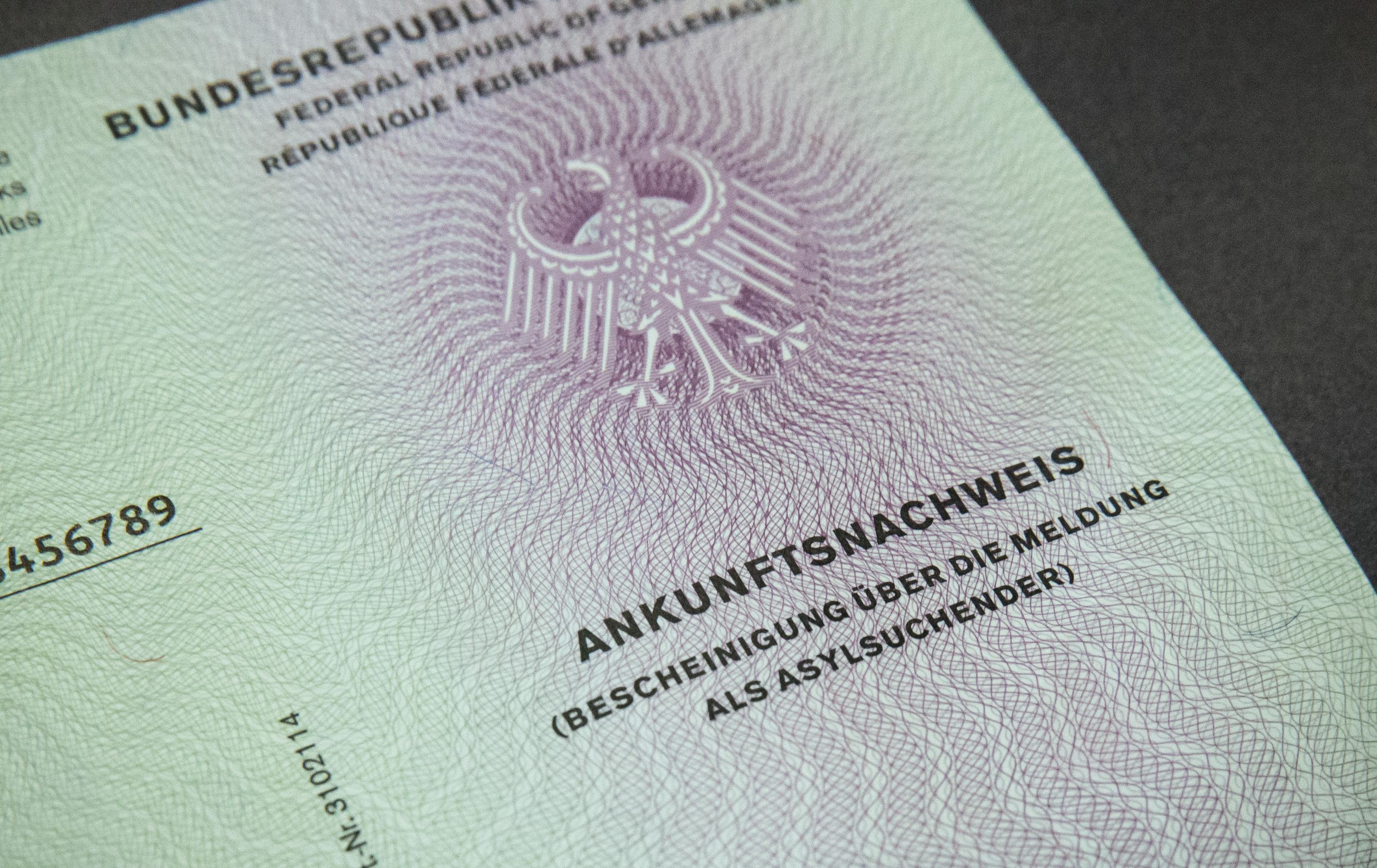 Der neue Asylausweis für Flüchtlinge in Deutschland