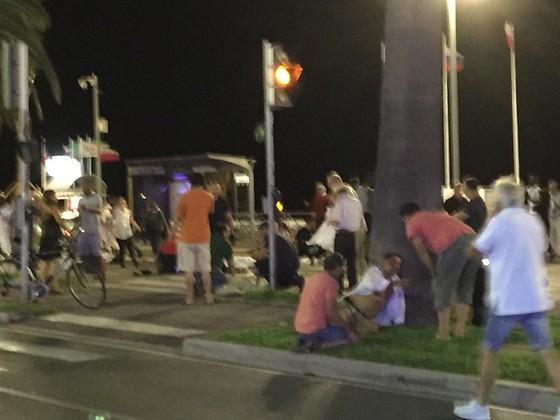 Terroranschlag Twitter: Terroranschlag: LKW-Fahrer Tötet In Nizza Mindestens 84
